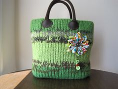 Handmade Felted 100 Pure Wool Tote Bag por MaidofWool en Etsy, $164.85
