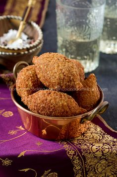 Quipes or Kipes (Deep fried bulgur roll) A traditional snack from the Middle East..inherited by Dominicans