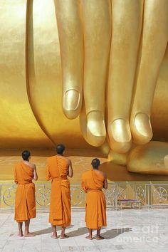 Hand of largest reclining Golden Buddha in a Thai Temple - - Buchachon Petthanya