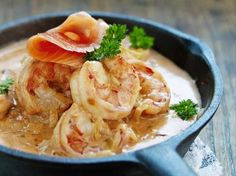 Scampis in creamy sauce Fish Dishes, Tasty Dishes, Tapas, I Want Food, Fish And Meat, Cooking Recipes, Healthy Recipes, Happy Foods, International Recipes