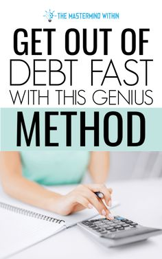 Get Out of Debt Fast Using Simple Debt Payoff Methods Get out of debt fast with these genius ways to pay off debt and become debt free. You can use the debt snowball or the debt avalanche. Which debt payoff method will you use? Dave Ramsey, Debt Tracker, Debt Free Living, Debt Snowball, Paying Off Credit Cards, Money Challenge, Investing Money, Saving Money, Saving Tips