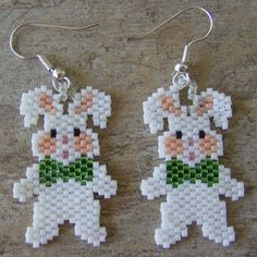 Stuffed Bunny Earrings Hand Made Seed Beaded via Etsy - Simple DIY Crafts Seed Bead Jewelry, Seed Bead Earrings, Seed Beads, Beaded Earrings, Beaded Crafts, Beaded Ornaments, Seed Bead Patterns, Beading Patterns, Beaded Animals