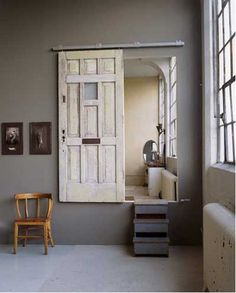 ideas_reciclar_decorar_puerta_antigua_22