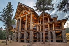View Pioneer Log Homes& gallery of images of handcrafted western red cedar log homes and log cabins. Timber Frame Homes, Timber House, Log Home Floor Plans, Log Cabin Homes, Log Cabins, Post And Beam, Mountain Homes, Home Pictures, Architecture