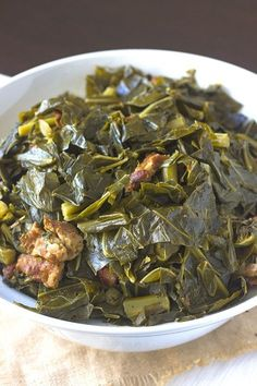 Plenty of flavor and savory smoked pork or turkey that makes this Southern Collard Greens Recipe divine! Perfect for your Thanksgiving holiday meal! ** Click image to read more details. Side Dish Recipes, Veggie Recipes, Green Vegetable Recipes, Vegetable Bake, Oven Recipes, Fish Recipes, Crockpot Recipes, Keto Recipes, Dinner Recipes