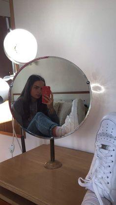 Uncategorized Ideas Para Fotos Frente Al Espejo Instagram Pose, Instagram Story Ideas, Poses For Photos, Picture Poses, Tumblr Photography, Photography Poses, Foto Mirror, Mirror Pic, Shotting Photo