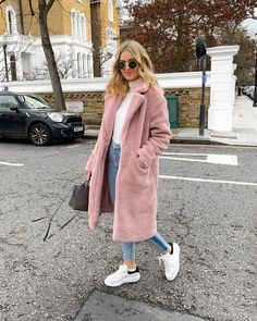 20 Cool Winter Outfits for Street Style - winter fashion Casual Winter Outfits, Winter Fashion Outfits, Look Fashion, Autumn Winter Fashion, Trendy Outfits, Dresses In Winter, Winter Outfits Women 20s, Autumn Look, Fall Fashion