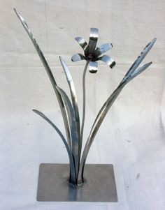 Metal Day Lily Sculpture