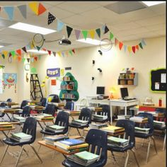Maybe someday I'll have a job in a classroom of my own and I can re-use all that bunting from our wedding! Classroom Bunting, Classroom Layout, Classroom Setup, School Classroom, Classroom Organization, Classroom Management, School Teacher, Teacher Stuff, Class Decoration