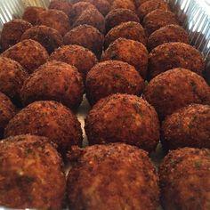 Mini riceballs for the win  ##arancini #riceballs #traditional AND #nonTraditional #homemade #handmade #freshtoOrder #madeWithLove #queens #statenisland #foodie #foodporn #goodeats #nom #italianfood #delicious #truffles #leahsitalianapples #sicilian #deepfried #goldenbrown #notyourNonnas #reinventingRiceballs #supportLocalBusiness #followyourdream #cheesy #eeeeeats #catering #foodilysm #fuckthatsDelicious