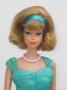 Side Part American Girl RARE Pretty Blonde