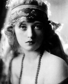 Marion Davies, 1921