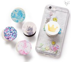 Details that say so much about her personal style. Ipod Cases, Cute Phone Cases, Cute Popsockets, Pop Socks, Diy Pop Socket, Pop Sockets Iphone, Justice Accessories, Phone Accesories, Accessoires Iphone