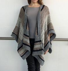 Ravelry: Striking Striped Ruana pattern by Sonja Hood (Knot Yourself Out Crochet Patterns) Poncho Au Crochet, Crochet Wrap Pattern, Crochet Poncho Patterns, Crochet Scarves, Crochet Clothes, Knit Crochet, Crochet Sweaters, Crochet Motif, Bolero Crochet