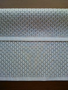 基本の運針で仕上げる花ふきんが完成。晒二枚重ね。家庭糸(30/3)使用。濃い灰色の色糸。針目幅(ヨコ)は約3.5~4㎜。間隔は同上。ぎっちり刺し込んでいる...