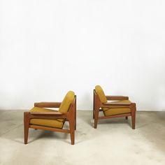 1 of 2 original  60s ARNE WAHL IVERSEN Sessel easy chairs   teak   made by Komfort, Denmark   danish modern midcetury modern 60s von yourhomeplus auf Etsy https://www.etsy.com/de/listing/250887846/1-of-2-original-60s-arne-wahl-iversen
