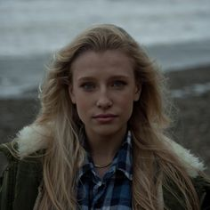 """Introducing Billie Marten, the 15 year old singer songwriter taking on the British folk scene. Listen to """"Ribbons"""" from her June 2014 EP. Sound Of Music, Music Love, Old Singers, Best Albums, Concert Tickets, Life Is Like, My Favorite Music, Pretty People, Music Artists"""
