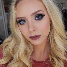 Hi friends! My name is Haley Wight, better known as Cosmobyhaley! I am a beauty vlogger here on the good ole youtube. Lets be BFFs!
