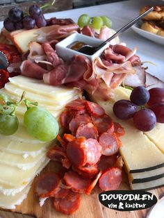 ostbricka3 Portugal, Cheese, Kitchen, Food, Cuisine, Meal, Eten, Home Kitchens, Meals