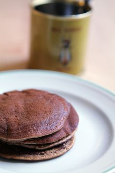 2 healthy breakfasts to get you out of bed - Banana pancakes