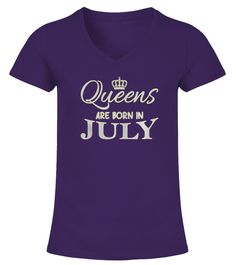 Queens are born in July T-Shirt