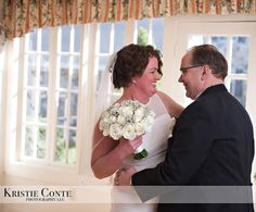 On this day in 2015 Edward married Anne happy 2nd anniversary! It was an intimate affair with close friends and families and some of the more st amazing toasts ever including a thank you toast from the groom. #ccblct #ccbl #weddinginspo #weddingplanner #weddingdesigner #justiceofthepeace #ctjusticeofthepeace #shorelinewedding #ctshorelinewedding @kcontephoto @flowersbydaniellellc