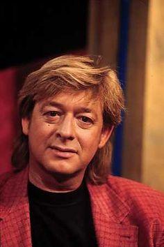 L- ANP Historisch Archief Community - Neyman Benny (Maastricht, 9 juni 1951 - Soesterberg, 7 februari 2008) was een zanger met een warm hart voor Limburg en Maastricht, zijn geboortestad. Benny Neyman was a Dutch singer who loved Limburg and Maastricht, place of birth.