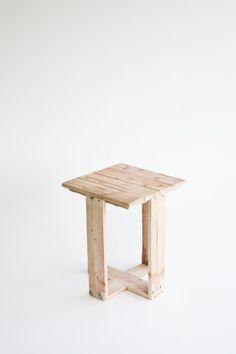 DIY stools from pallets. Studiomama design. ©Stine Raarup