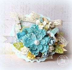 Mother's Day card by Maiko Kosugi for Prima! Scrapbook Paper Flowers, Estilo Shabby Chic, Shabby Chic Cards, Sarah Kay, Pretty Packaging, Pocket Letters, Mothers Day Cards, Artist Trading Cards, Scrapbook Albums