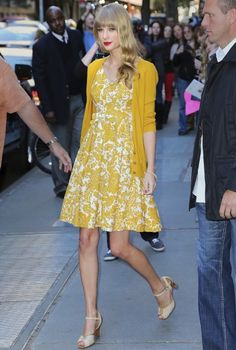 Taylor Swift's yellow dress on Katie Couric