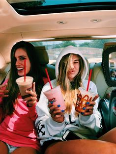 ✰ best friend pictures, bff pictures, summer pictures, cute photos, squad p Bff Pics, Photos Bff, Cute Friend Pictures, Friend Photos, Cute Photos, Best Friend Fotos, My Best Friend, Best Friends, Summer Goals