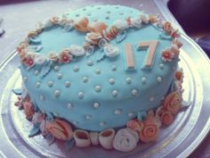 Fondant Flower And Pearl 17th Birthday Cake 17 Happy