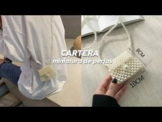 Gigi Hadid Jeans, Beaded Bags, Beaded Jewelry, Crochet Clutch Bags, Doll Tutorial, Diy Necklace, Beads, Handmade, Accessories