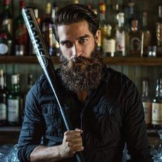 ⚔ BEARDED VILLAIN ⚔  HOME RUN BEARDS.  This is @mee.kay  The always on point beard of @mee.kay has inspired thousands to keep theirs in top shape. BV TIP OF THE DAY: A good beard oil and daily grooming will help you stay away from split ends. #BVsalute