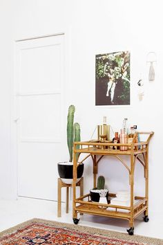 """Find out even more relevant information on """"bar cart decor inspiration"""". Take a look at our internet site. Plywood Furniture, Bar Furniture, Bamboo Furniture, Modern Furniture, Furniture Design, Style At Home, Rattan Bar, Wicker, Gold Bar Cart"""
