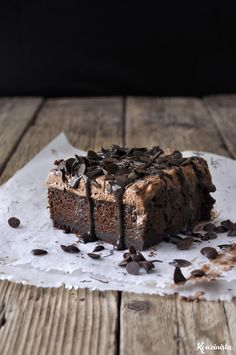 chocolate poke cake-Get your hourly source of sweet. Chocolate Desserts, Chocolate Cake, Brownie Bar, Food Cravings, Love Is Sweet, Sweet Recipes, Deserts, Food Porn, Food And Drink
