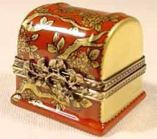 LIMOGES BOXES Direct from Limoges France with FREE SHIPPING ! #1 Limoges Boxes collectors website - Flowered red and gold chest Limoges box