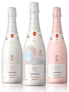 Spain's most famous Cava takes off in the U. market with a new look Cocktail Mix, Cocktail Drinks, Alcoholic Drinks, Crown Royal Drinks, Peach Drinks, St Patricks Day Drinks, Whiskey Girl, Wine Photography, Whiskey Cocktails