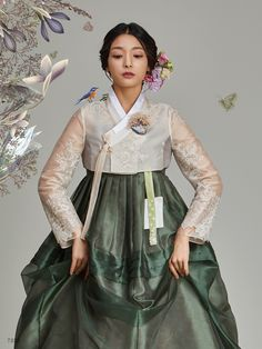Traditional Korean Hanbok Source by korean Korean Fashion Summer, Korean Fashion Trends, Korean Street Fashion, Asian Fashion, Korean Traditional Clothes, Traditional Fashion, Traditional Dresses, Korean Dress, Korean Outfits