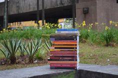 """Livros """"esquecidos"""" incentivam hábito da leitura e espalham conhecimento em todo Brasil"""