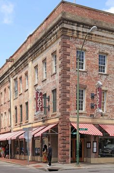 """Paula Deen's Lady & Sons Restaurant"" *Savannah, Georgia*  {Photo Source: French Larkspur: Around the City in Savannah}"