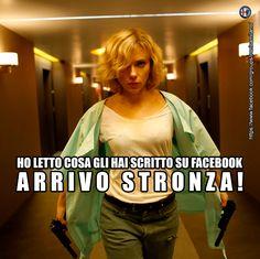 Ho letto cosa gli hai scritto su facebook. ARRIVO STRONZA! #vendetta #gelosia #facebook #stronza #scarlett #ridere