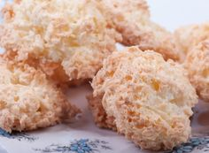 Galletas de coco sin gluten Mejor con Salud Diyet Yemekleri Gluten Free Coconut Cookies Better with Health Diyet Yemekleri Coconut Icing, Coconut Cookies, Coconut Macaroons, Baby Food Recipes, Sweet Recipes, Cooking Recipes, Sin Gluten, Gluten Free, Coconut Biscuits
