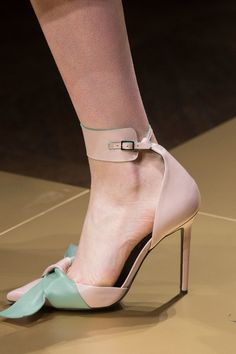 Atelier Versace at Couture Fall 2016 - Details Runway Photos