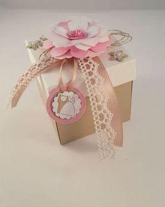 Explosionbox zur Hochzeit - Video  #explosionbox #box #cardinabox #hochzeit #hochzeitskarte #wedding #card #greetingcard #weddingcard #stampinup #sizzix #cake #weddingcake #gift #present #torte #hochzeitstorte #flowers #blumen #papier #paper #diy #crafting #basteln #handcrafting #details