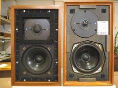 RogersLS3/5AとKEF LS3/5 CRESTA比較レビュー Monitor Speakers, Diy Speakers, Bookshelf Speakers, Audio Design, Speaker Design, High End Audio, Loudspeaker, Audio Equipment, Audiophile