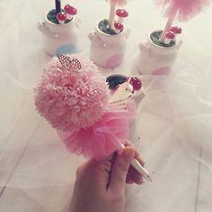 [바보사랑] 카네이션 토피어리를 쏙 빼면 깜찍한 볼펜이 숨어있어요 /카네이션/비누꽃카네이션/토피어리/볼펜/장식/꽃/조화/화분/인테리어소품/Carnation/Soap Flower/Topieori/Ball-point pen/Decor/artificial flower/Flower/Pollen/Interior Props