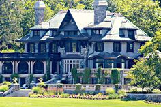 21 Rosemary Lane: The Fabulous Homes of Lake Skaneateles New York. beautiful homes.