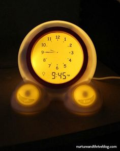 Does your toddler or preschooler wake up too early? Is your bedtime routine too long? A toddler clock can help, but which one?