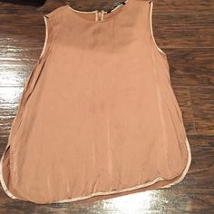 Zara sleeveless blouse Good shape silky material Zara Tops Blouses